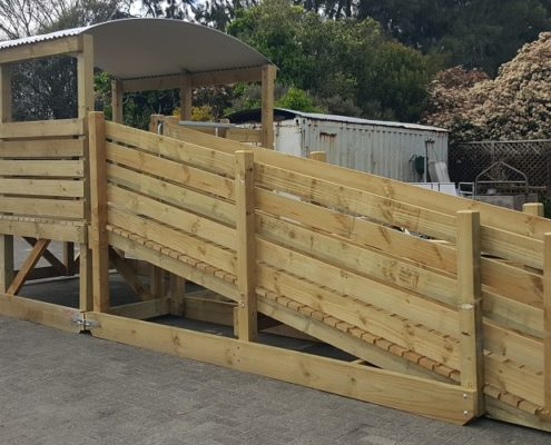 Corohawk Bobby Calf Pen and Ramp